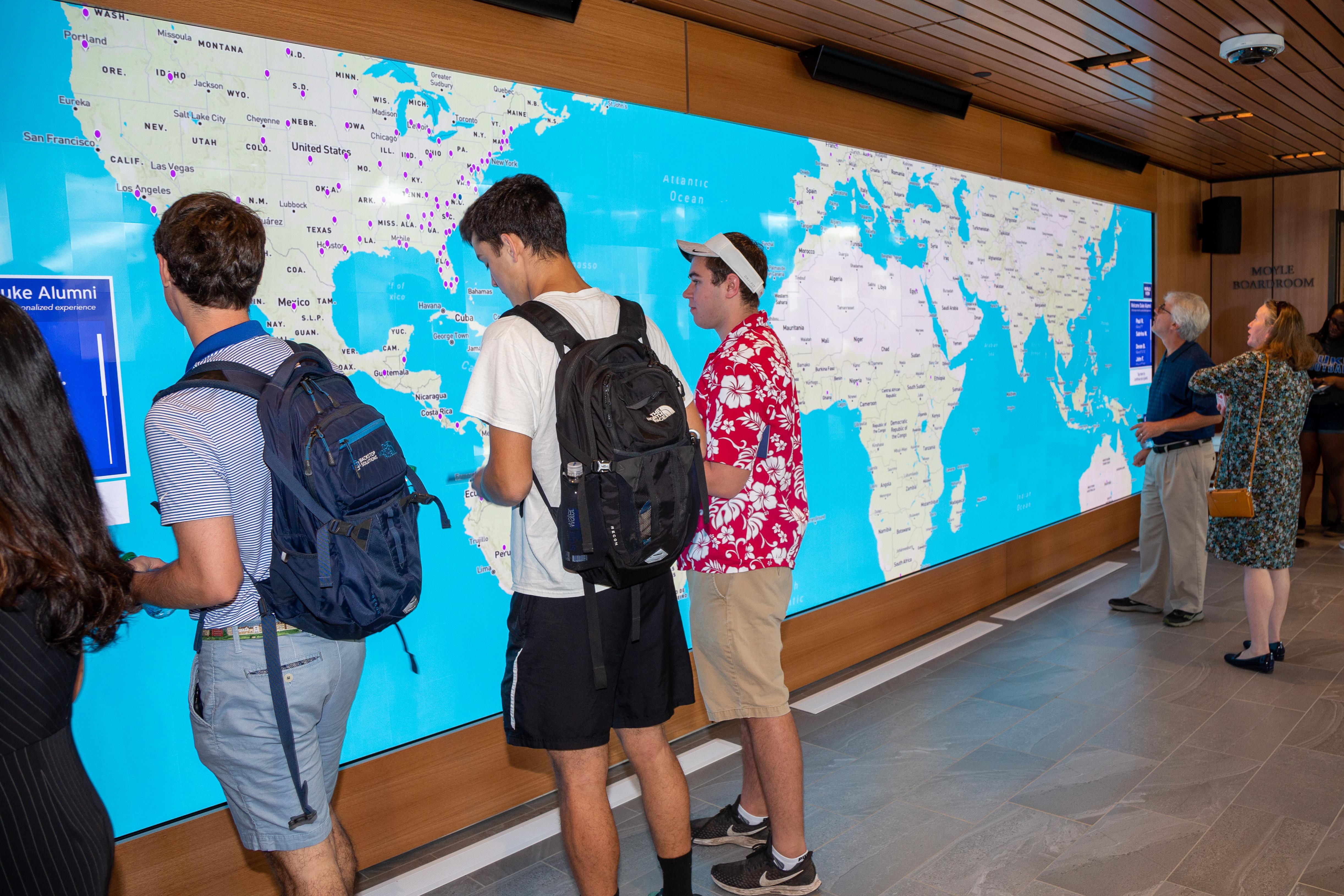 T1V-Duke-Karsh-Alumni-Visitors-Center-Interactive-Wall-Collaboration-Software-Active-Learning